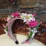 #trachtenfascinator blumenhaarreif trachtentrend oktoberfest wiesn Pink Pinscher köln