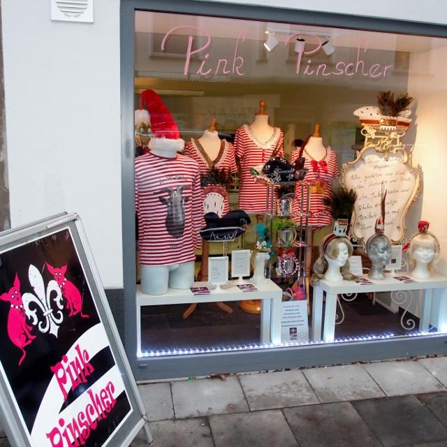 Mozartstraße 60 Pink Pinscher Köln